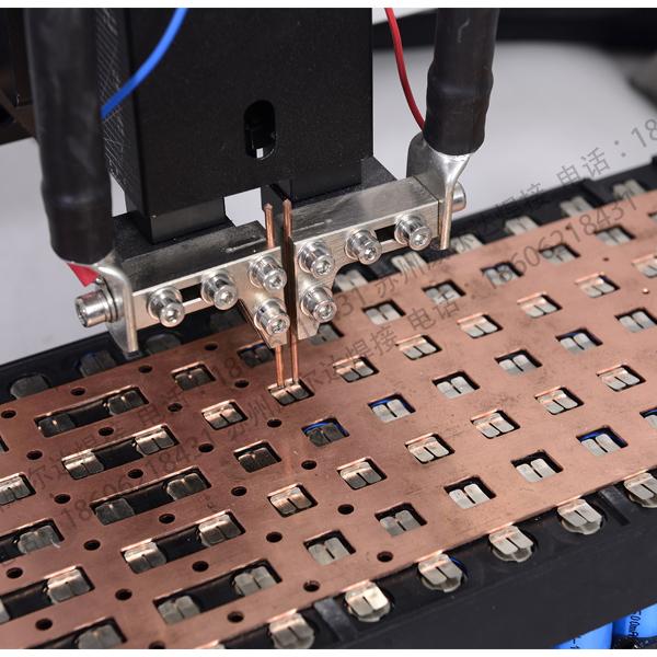 电池点焊机机头细节图